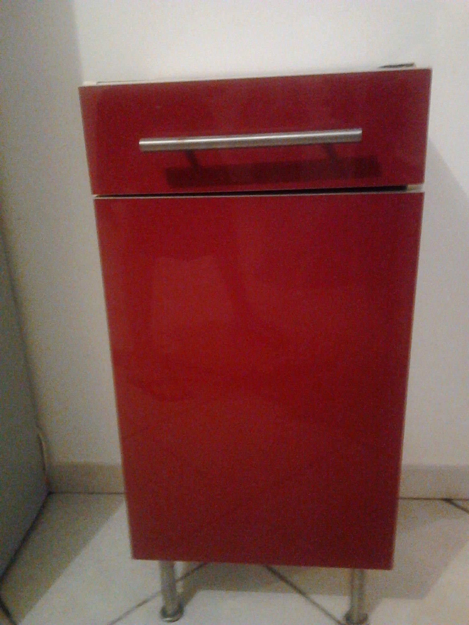 Meuble cuisine ik a rouge 30 bon tat guyaffaires - Facade meuble cuisine ikea ...